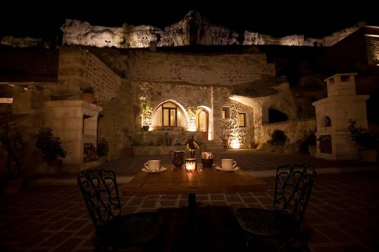 Kayakapi Premium Caves - Cappadocia – Kunduracı Mehmet evi Öncesi ve Sonrası:  tarz Teras