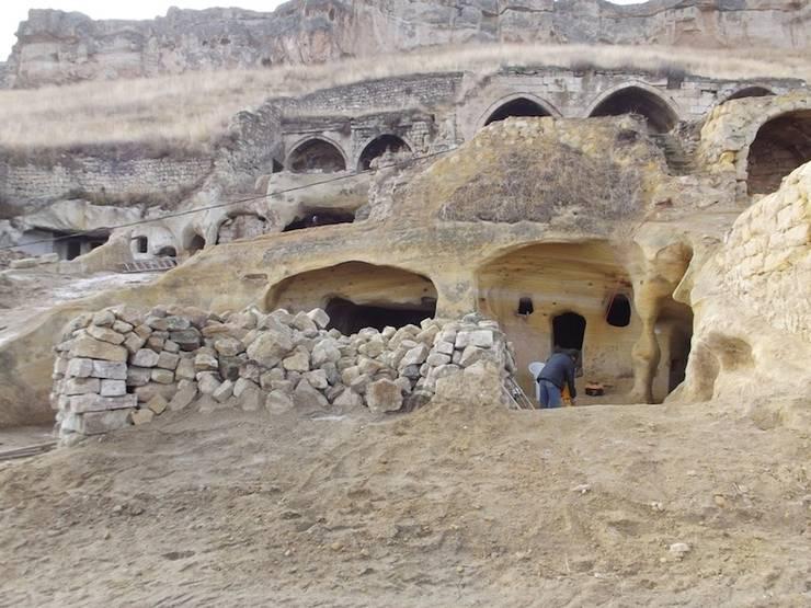 Kayakapi Premium Caves - Cappadocia – Muhittin Toker evi Öncesi ve Sonrası: rustik tarz tarz Evler