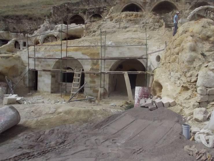 Kayakapi Premium Caves - Cappadocia – Muhittin Toker evi Öncesi ve Sonrası:  tarz Evler