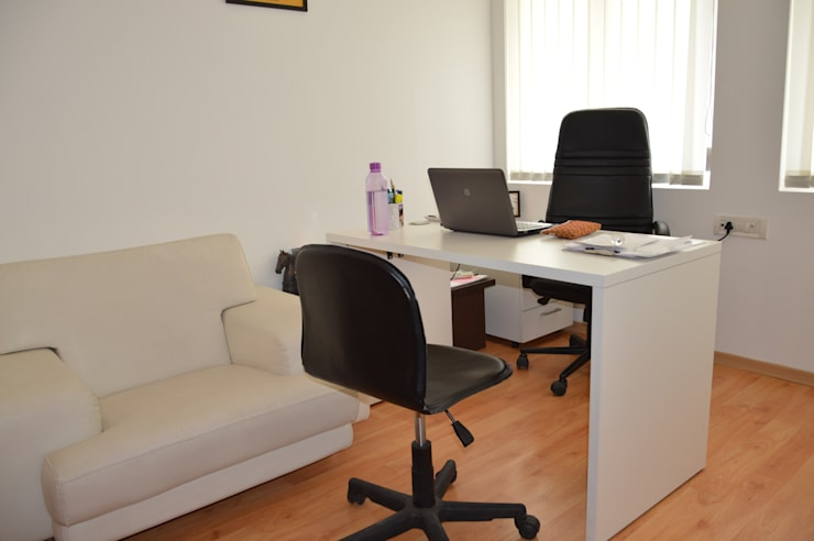Matrix Direct Communications:  Office buildings by Touch International (Mumbai & Pune),Modern