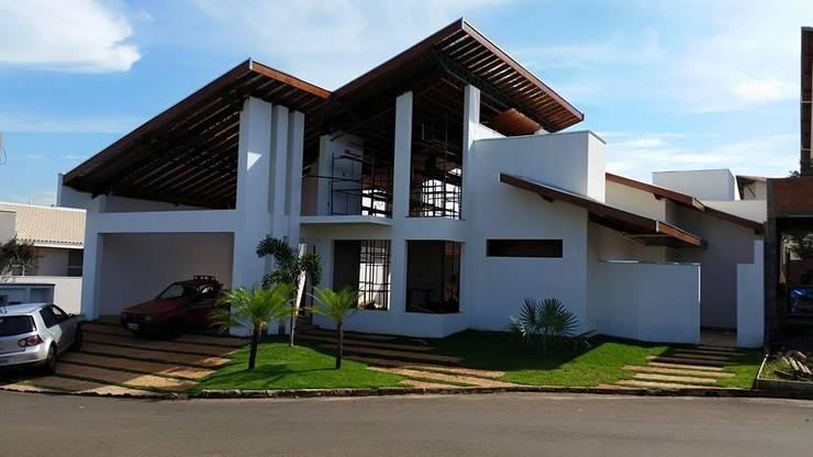 projeto: Casas  por A3 arquitetos