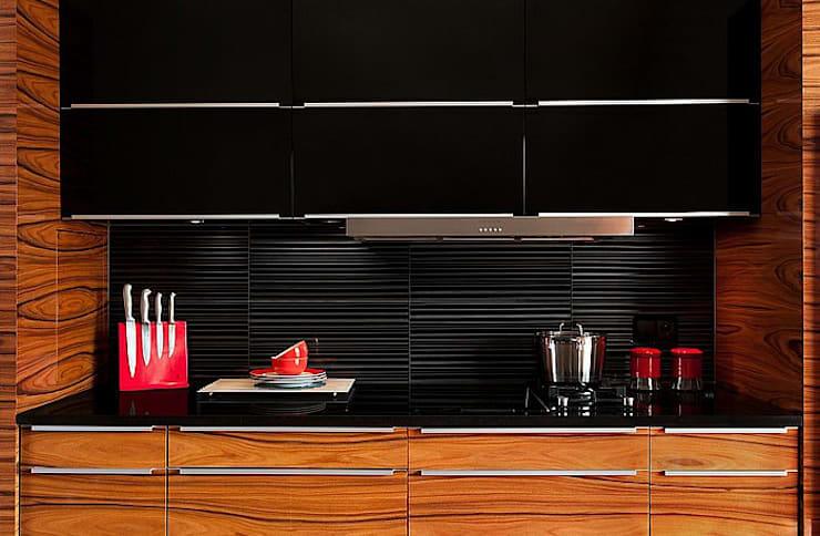 Silver Strip 3D Mazu: styl , w kategorii Kuchnia zaprojektowany przez Deeco