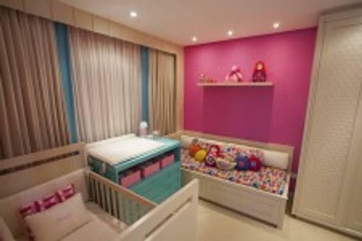 Apto Casa 03: Quarto infantil  por Flávia Bonet - Arquitetura