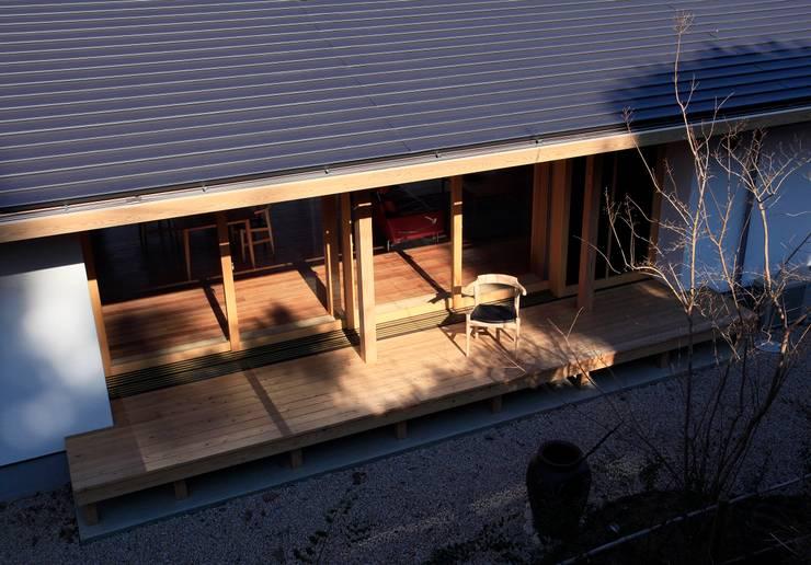 大紅葉の家: アーキウェルワークス一級建築士事務所が手掛けた家です。