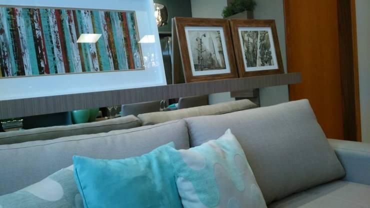 Interiores: Salas de estar  por catar.arq
