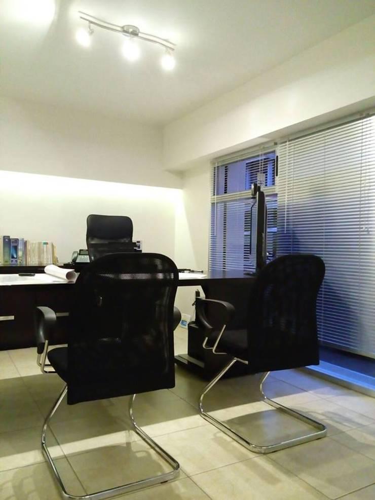Alfa Studio Arquitectura: Estudios y oficinas de estilo  por alfa studio arquitectura