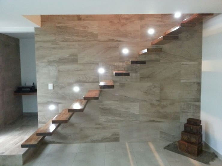 Escalera empotrada Pasillos, vestíbulos y escaleras modernos de Estudio A+I Moderno