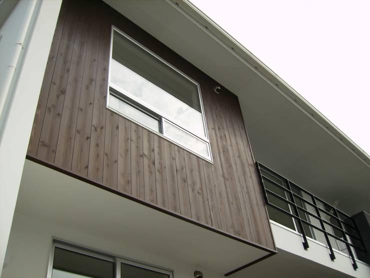 施行事例: mukaiが手掛けた窓です。,モダン