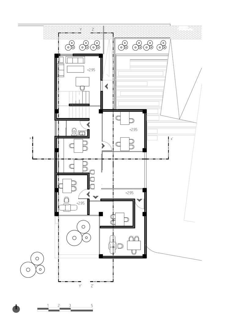 Planta 2:  de estilo  por Komoni Arquitectos