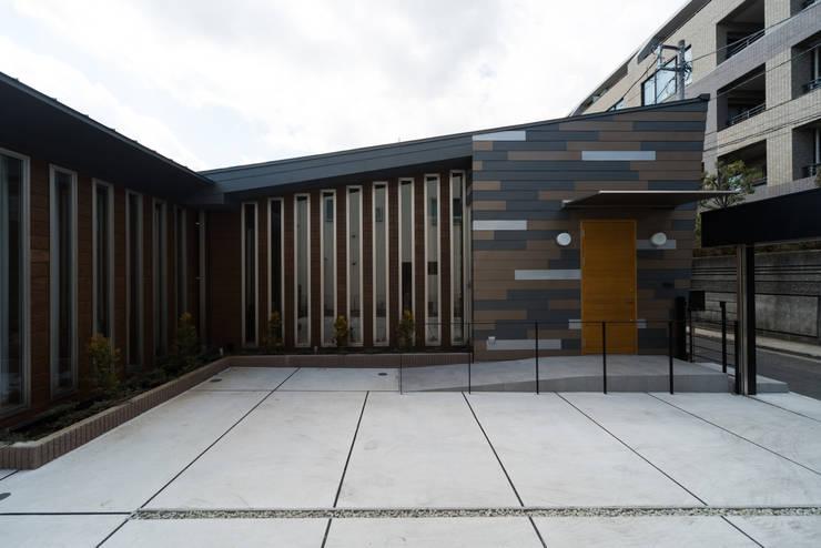 月の耀う家: 港設計一級建築士事務所が手掛けた家です。