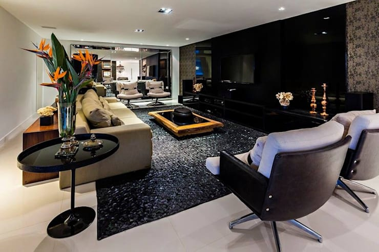 Ocean House 62: Salas de estar  por Espezim Biazzetto Arquitetura