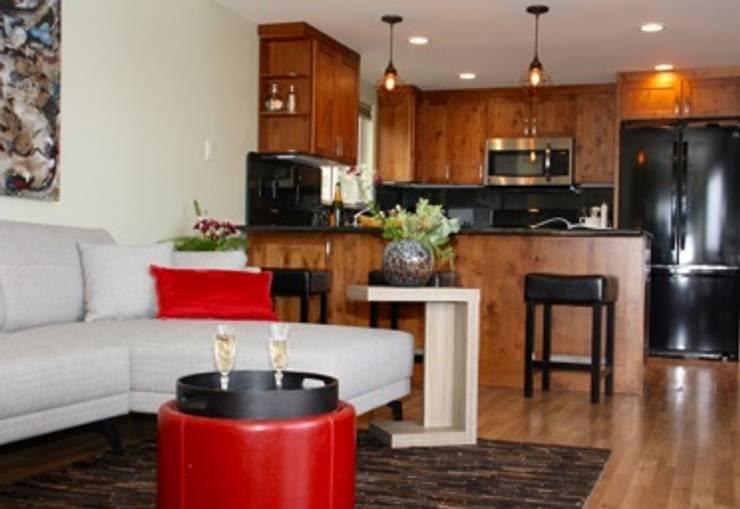 Modern kitchen by DemianStagingDesign Modern