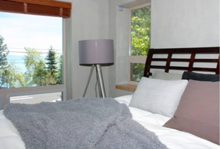 Modern style bedroom by DemianStagingDesign Modern