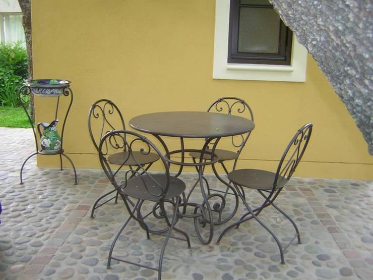 Balkon, Veranda & Terrasse von La Reja