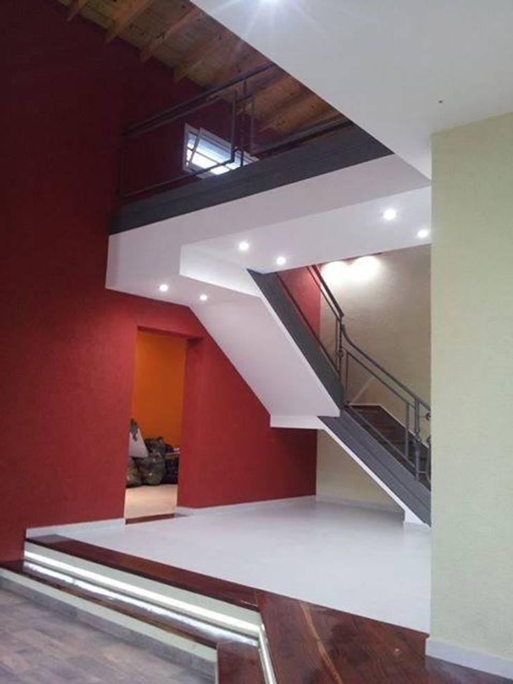 Obra Gomez Livings modernos: Ideas, imágenes y decoración de RG construcción + diseño Moderno