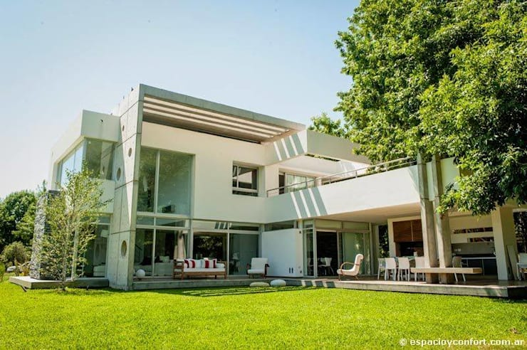 Vivienda en Grand Bell: Casas de estilo moderno por AMADO arquitectos
