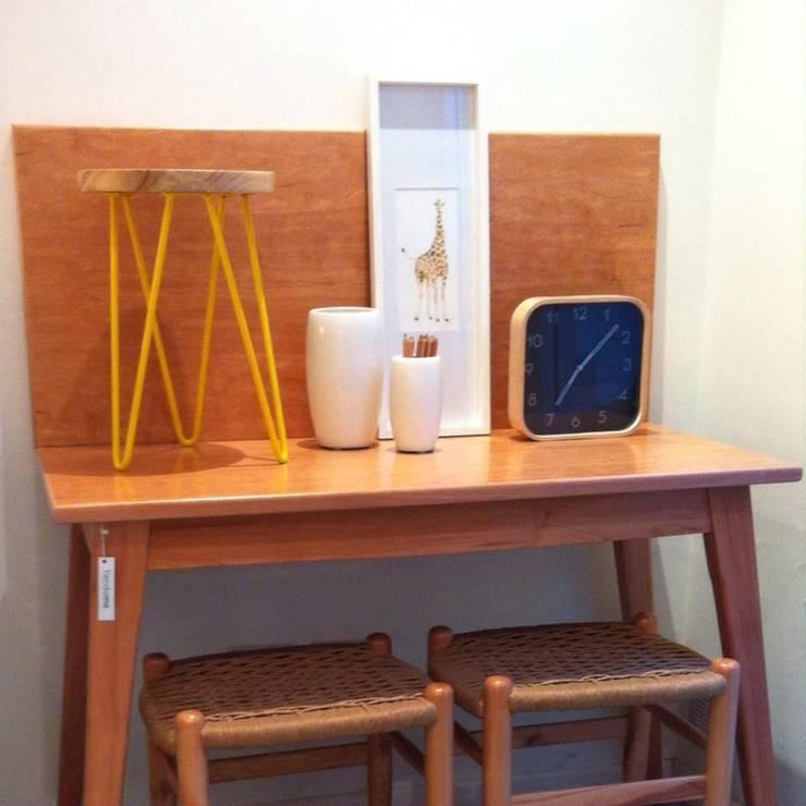 Espacios y Muebles by MO: Estudio de estilo  por Mobiliario Objetos MO