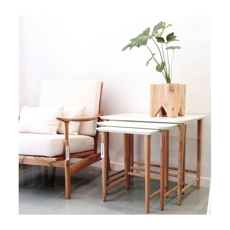 Espacios y Muebles by MO:  de estilo  por Mobiliario Objetos MO,Moderno