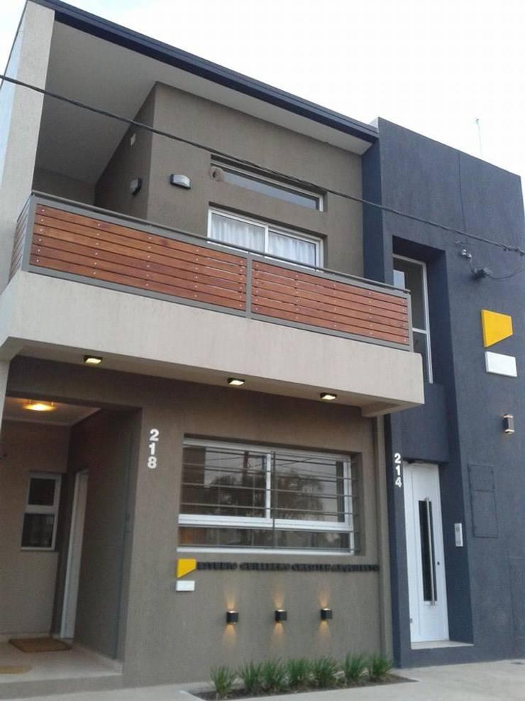 Vivienda Unifamiliar: Casas de estilo  por ESTUDIO GUILLERMO CHRISTEN ARQUITECTO,Moderno