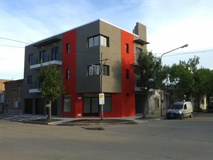 Vivienda Unifamiliar: Casas de estilo  por ESTUDIO GUILLERMO CHRISTEN ARQUITECTO
