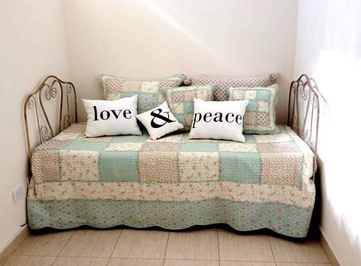 Muebles para interior y exterior: Livings de estilo  por Hierros del dorado