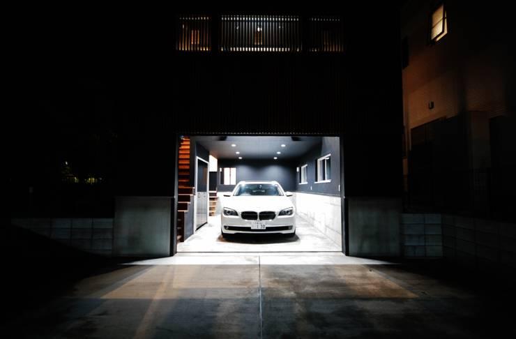 Projekty,  Garaż zaprojektowane przez homify