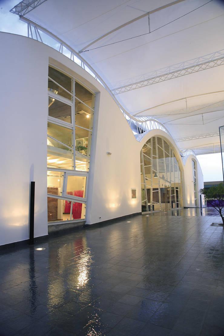 Cascino showroom ceramiche arredobagno porte e finestre termini imerese pa 2008 di giuseppe - Showroom porte e finestre ...