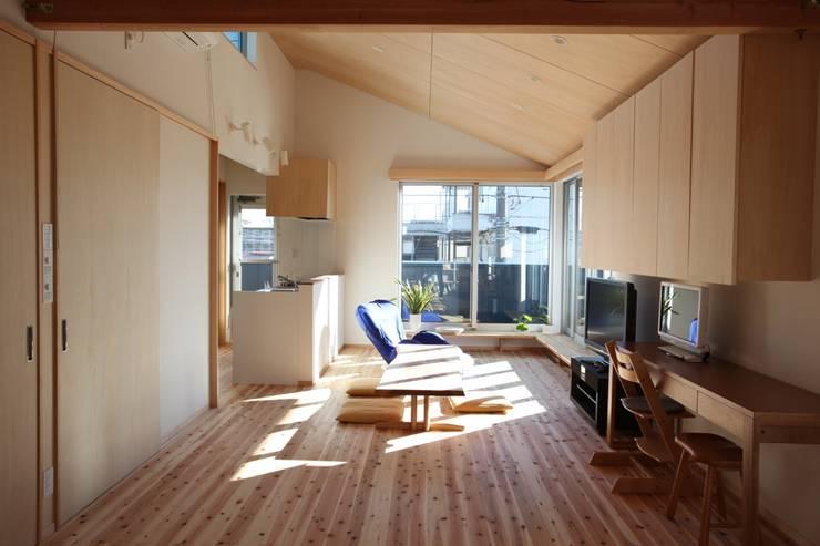 2階リビング の スタジオエイチ / studio eichi