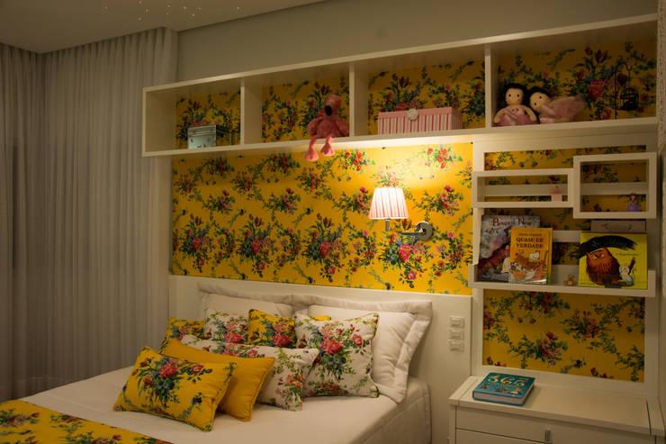 Dormitório Menina: Quartos  por ARQ Ana Lore Burliga Miranda