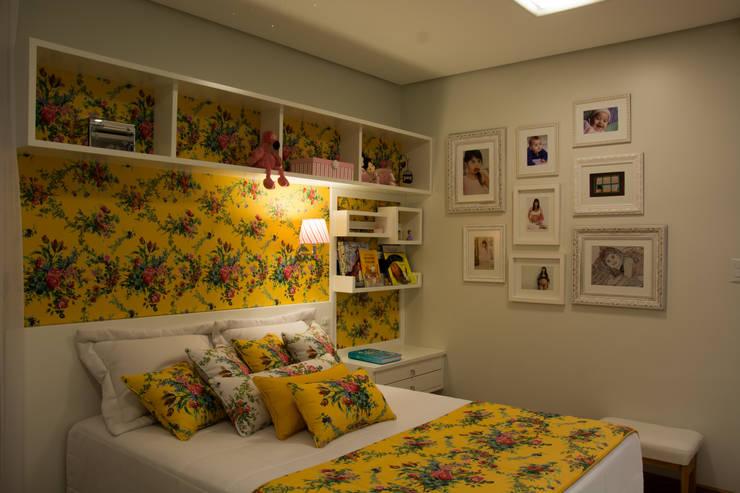 Phòng ngủ by ARQ Ana Lore Burliga Miranda