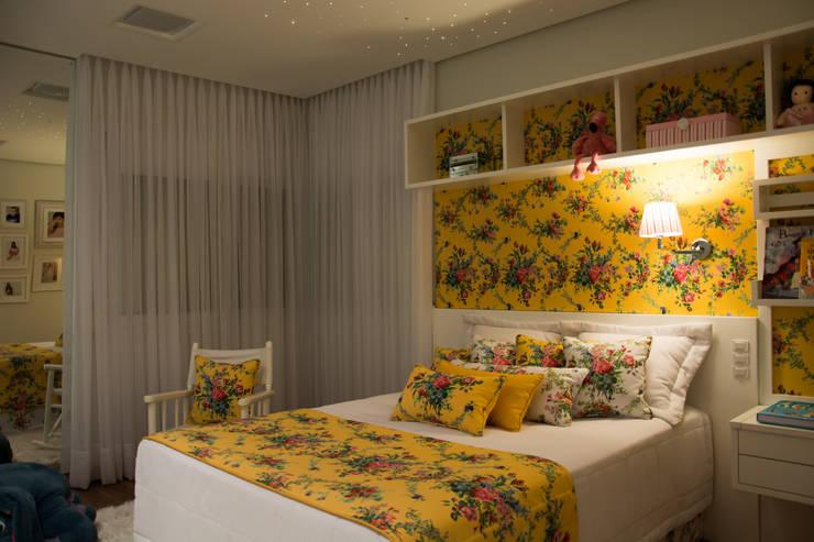 Dormitório de menina: Quartos  por ARQ Ana Lore Burliga Miranda