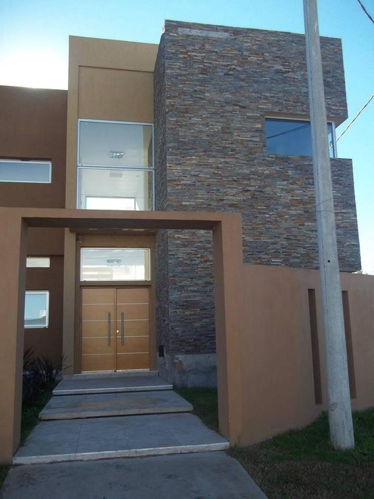 Ingreso: Casas de estilo moderno por concepturbano