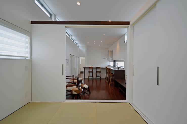 クグリノイエ 和室: フォーレストデザイン一級建築士事務所が手掛けたです。