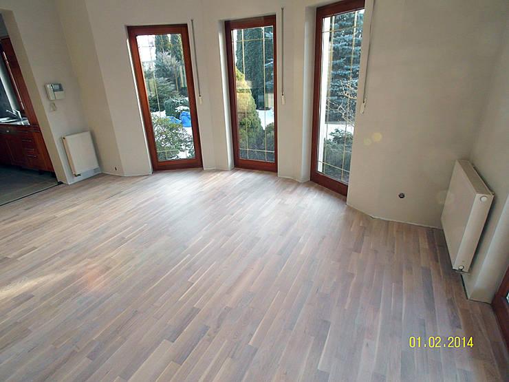 Parkiet drewniany. Realizacja podłogi drewnianej w Ochli koło Zielonej Góry.: styl , w kategorii  zaprojektowany przez PHU Bortnowski