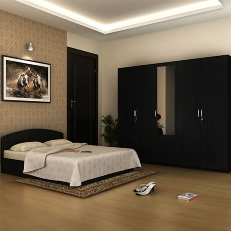 Interiors:  Bedroom by S.R. Buildtech – The Gharexperts