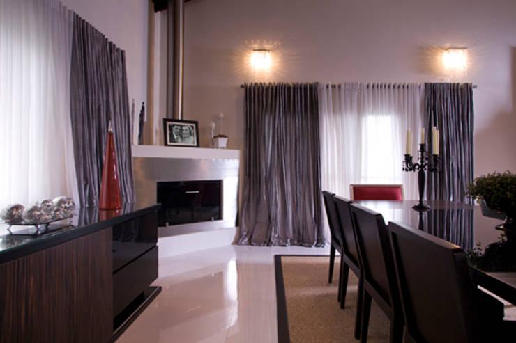 Casa em Vinhedo Condominio São Joaquim: Salas de jantar  por Sandra Sanches Arq e Design de Interiores
