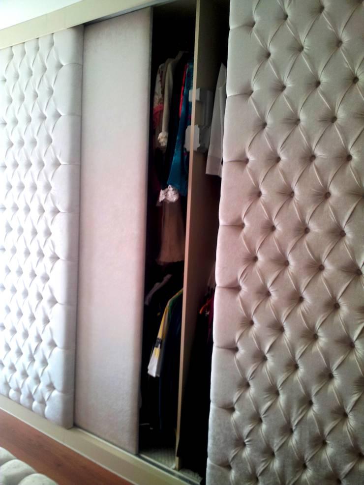 Mimar Melike Topal  – E&M Işık Evi_Alanya: klasik tarz tarz Giyinme Odası
