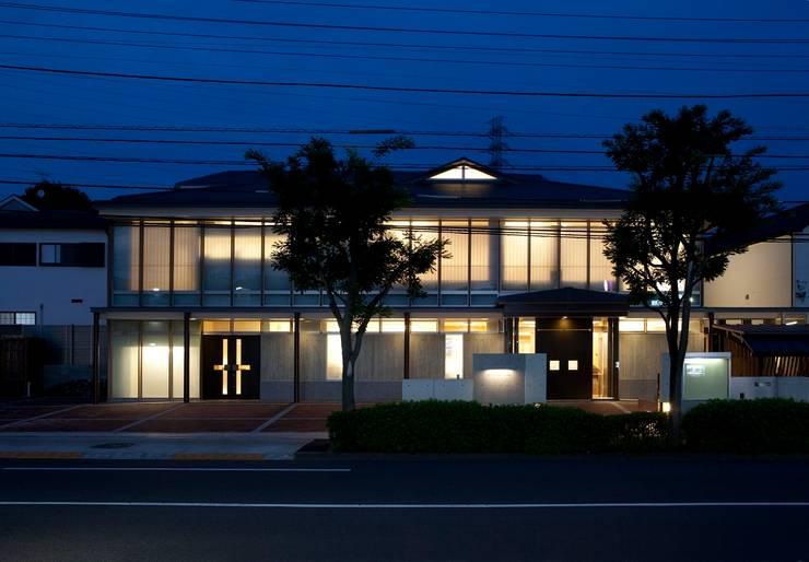 神慈秀明会町田教会 モダンな 家 の 今井建築設計事務所 モダン