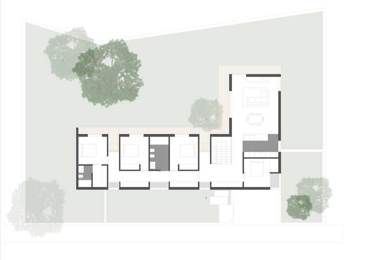 Planta Piso 1:   por a-tuar arquitetura
