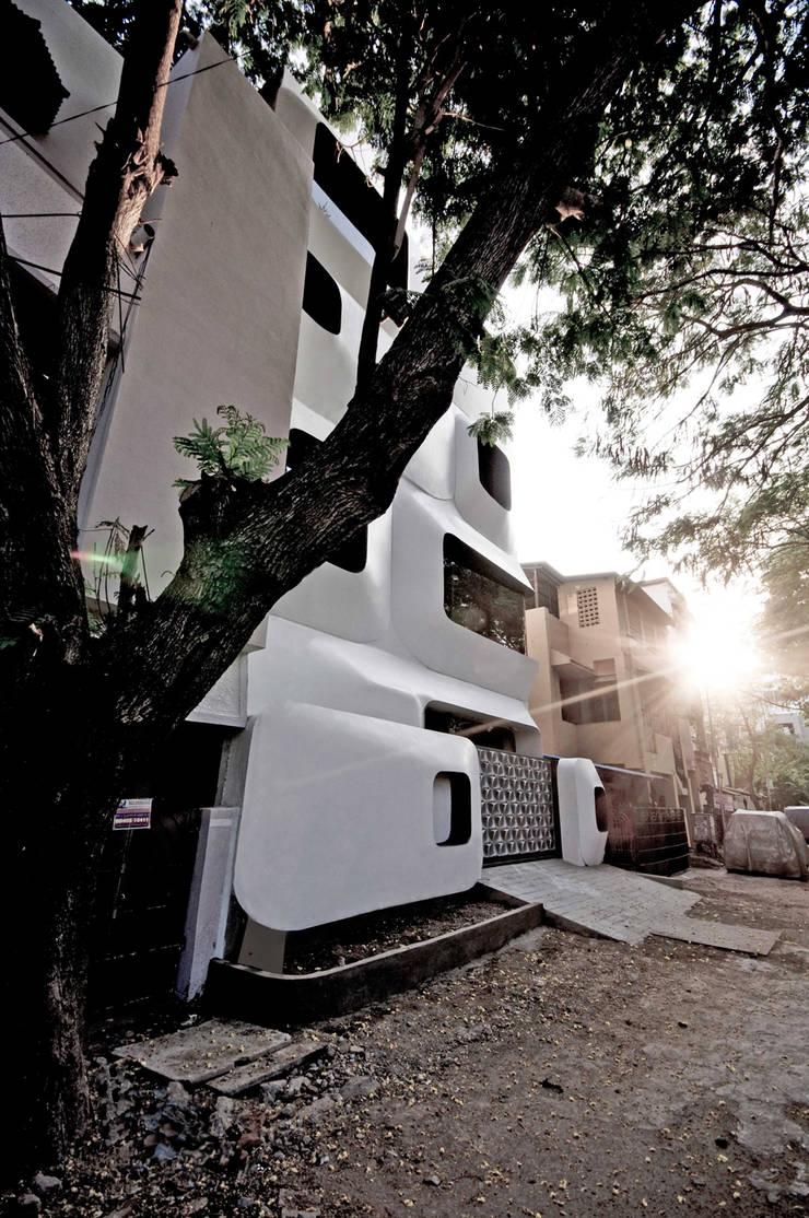 S-House:  Houses by SDeG