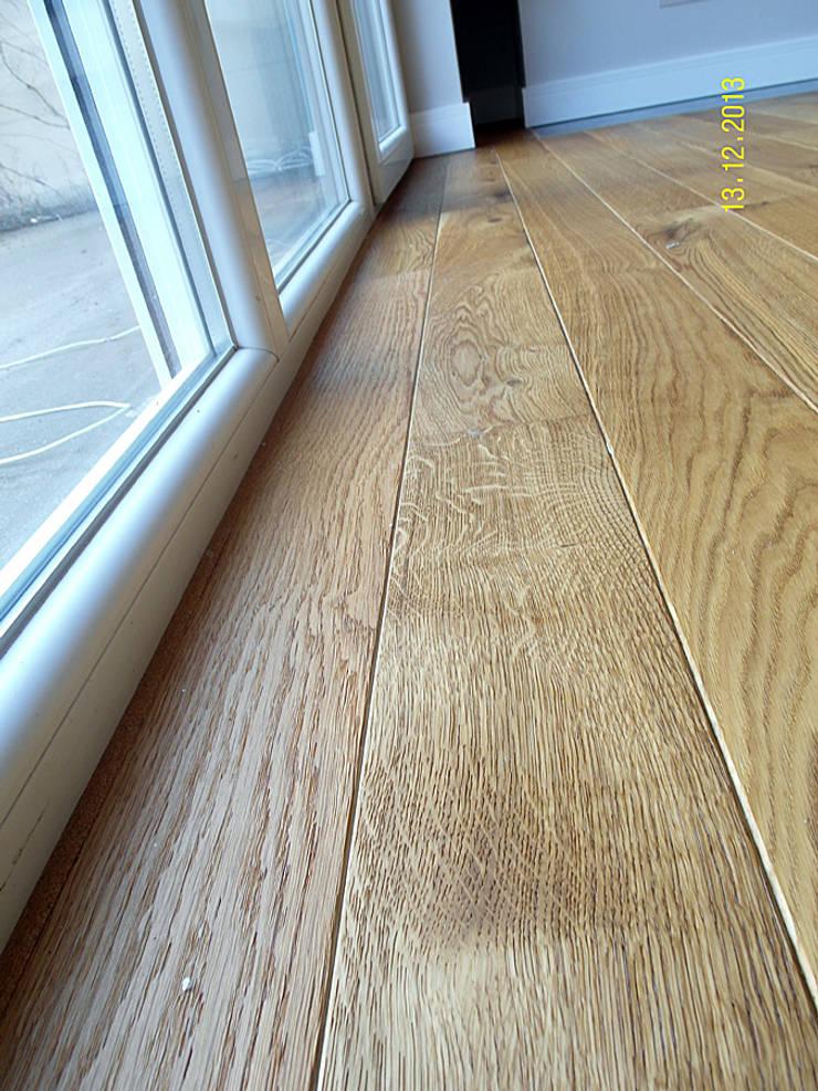 Parkiet – Dąb szczotkowany, olejowany. Realizacja podłogi drewnianej w Zielonej Górze.: styl , w kategorii  zaprojektowany przez PHU Bortnowski,