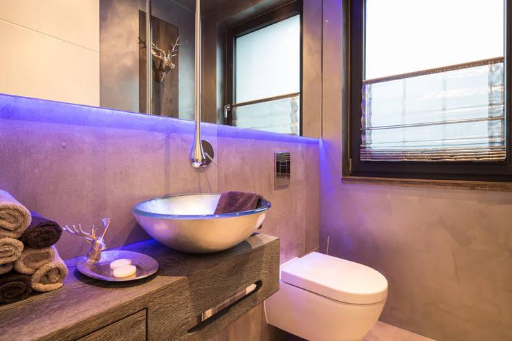 Gästetoilette: moderne Badezimmer von schulz.rooms