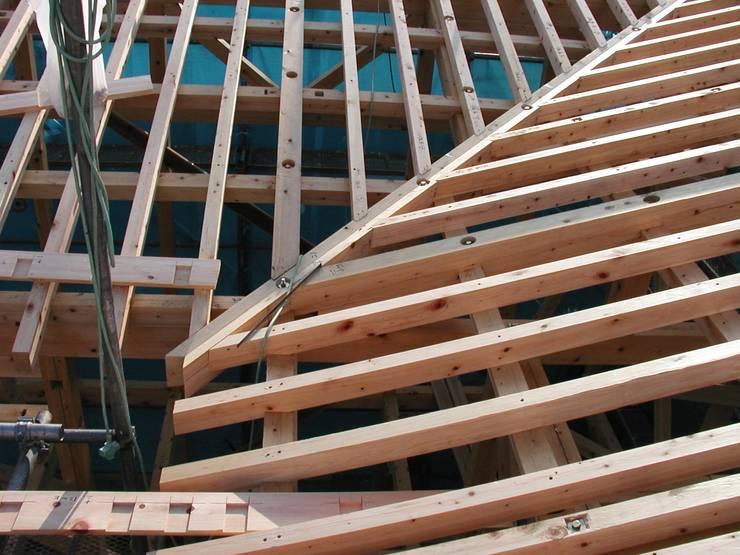 振隅と隅木の建物 オリジナルな 家 の 木造トラス研究所・株式会社 合掌 オリジナル 木 木目調