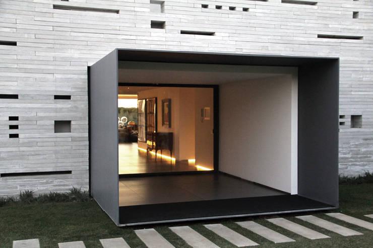 Gang en hal door guedes cruz arquitectos