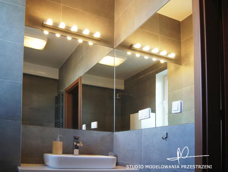 nowoczesne i przytulne mieszanie : styl , w kategorii Łazienka zaprojektowany przez Studio Modelowania Przestrzeni