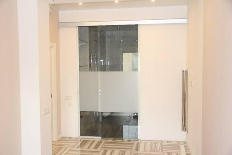 Двери: Окна и двери в . Автор – ReflectArt,