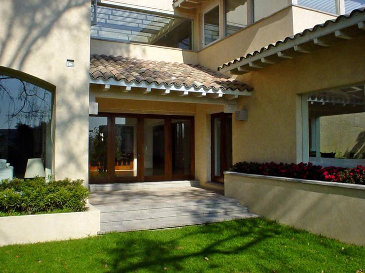 Casa Mimosas- Boué Arquitectos : Casas de estilo  por Boué Arquitectos