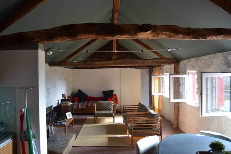 Casa em Abragão - Recuperação de habitação uni familiar:   por raul sousa cardoso arqt