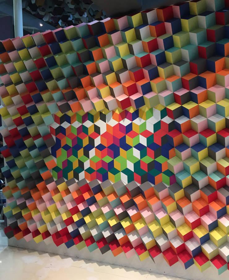 Expo CIHAC 2015: Pasillos y recibidores de estilo  por AMOATO STUDIO SA DE CV