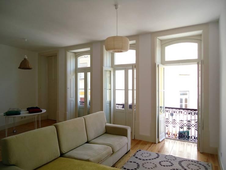 COLECTIVO arquitectos: minimal tarz tarz Oturma Odası